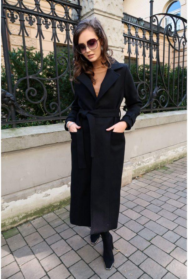 Wełniany płaszcz damski czarny